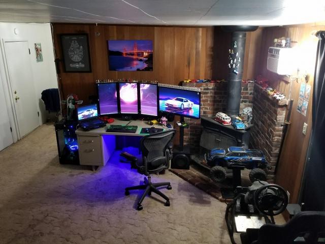PC_Desk_MultiDisplay99_01.jpg