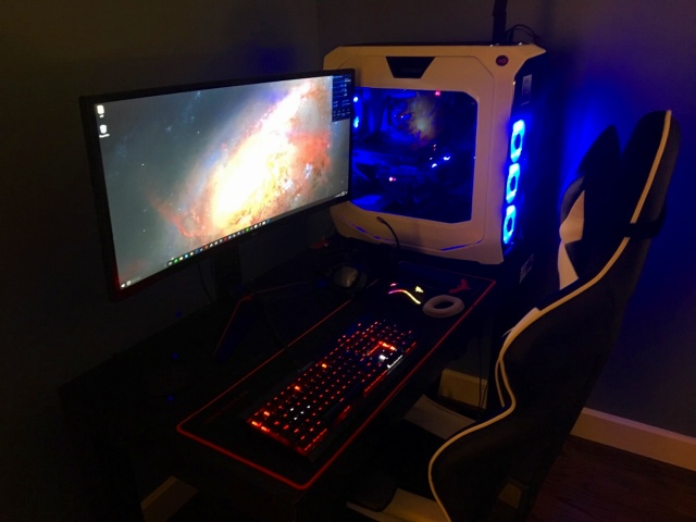 PC_Desk_UltlaWideMonitor19_17.jpg