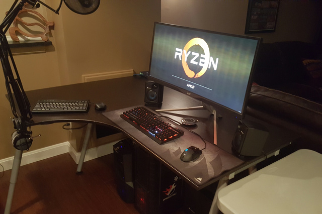 PC_Desk_UltlaWideMonitor19_53.jpg