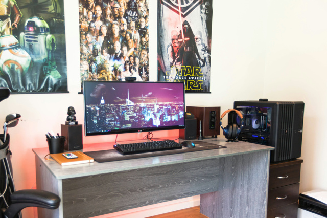 PC_Desk_UltlaWideMonitor19_76.jpg