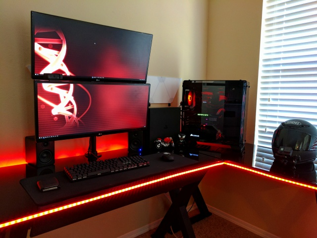 PC_Desk_UltlaWideMonitor19_97.jpg