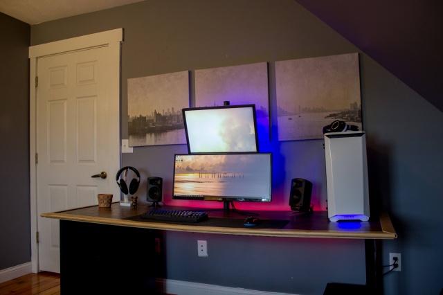 PC_Desk_UltlaWideMonitor21_100.jpg