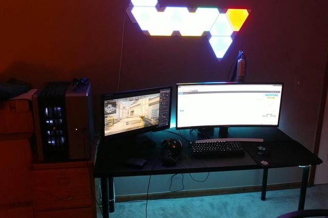 PC_Desk_UltlaWideMonitor21_11.jpg