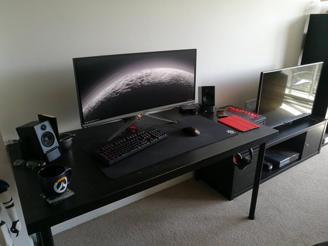 PC_Desk_UltlaWideMonitor21_49.jpg