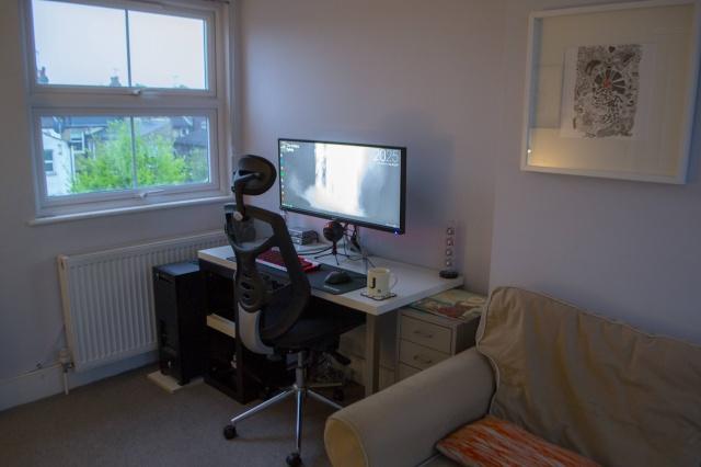 PC_Desk_UltlaWideMonitor21_55.jpg