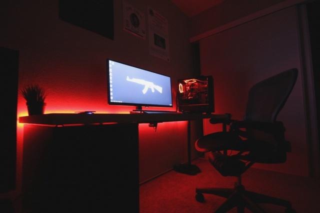 PC_Desk_UltlaWideMonitor21_67.jpg