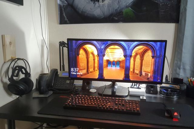 PC_Desk_UltlaWideMonitor21_68.jpg