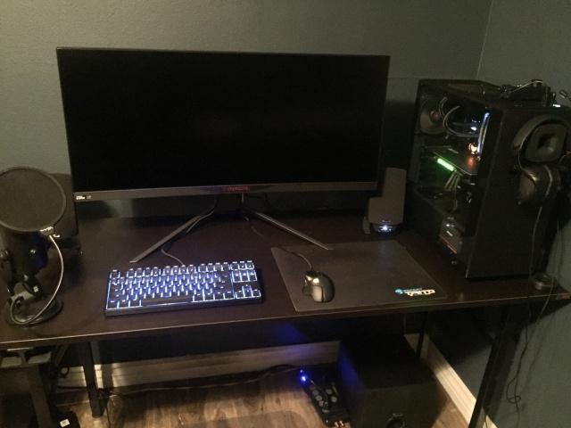 PC_Desk_UltlaWideMonitor21_75.jpg