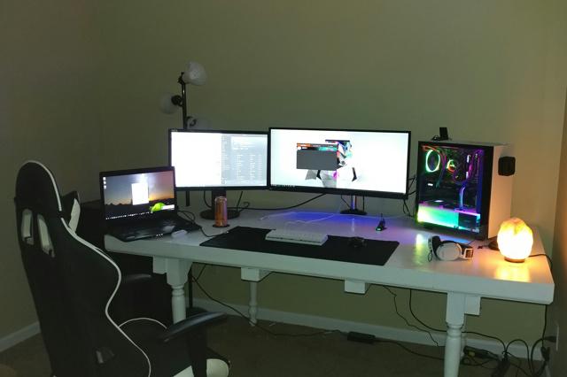 PC_Desk_UltlaWideMonitor21_88.jpg