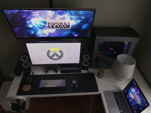 PC_Desk_UltlaWideMonitor21_93.jpg
