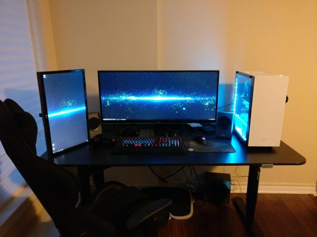 PC_Desk_UltlaWideMonitor22_65.jpg