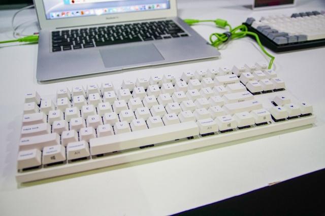 VA87Mac_01.jpg