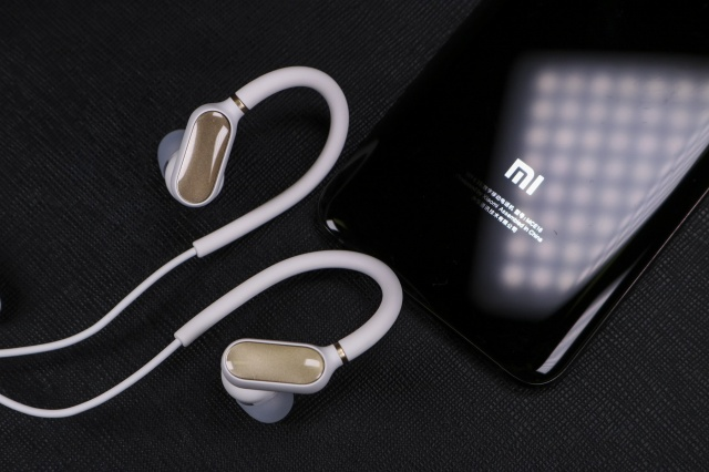Xiaomi_Bluetooth_Earphones_Mini_08.jpg