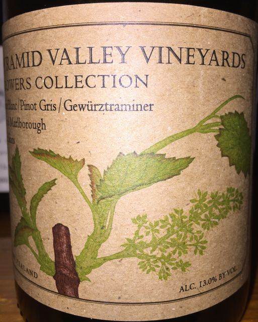 Pyramid Valley Vineyard Pinot Blanc Pinot Gris Gewurztraminer On Skins Mike and Claudia Weersing 2016 part1