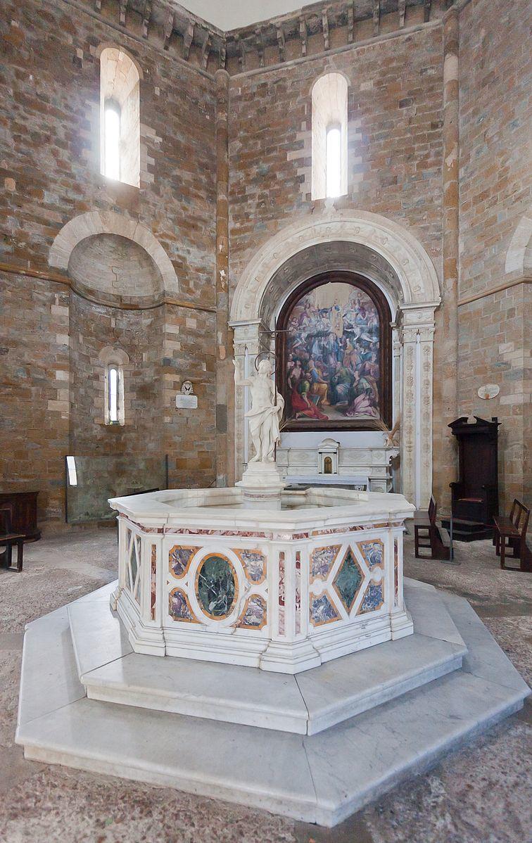 ヴォルテッラ洗礼堂2
