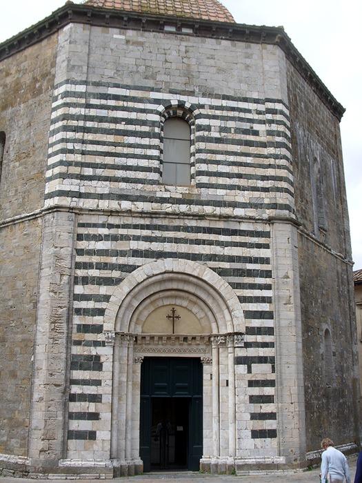 ヴォルテッラ洗礼堂1