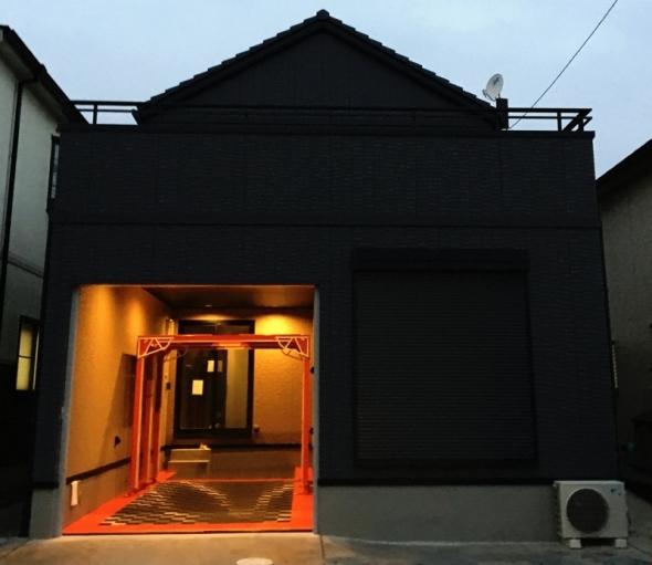黒い家と赤いハウスインナー®