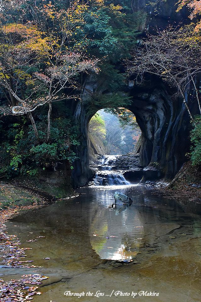 亀岩の洞窟(濃溝の滝)56D9