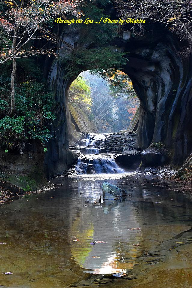 亀岩の洞窟(濃溝の滝)56D10