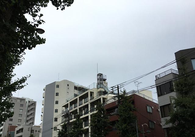 どんより曇る梅雨明けしたはずの東京@2017年7月25日 by占いとか魔術とか所蔵画像