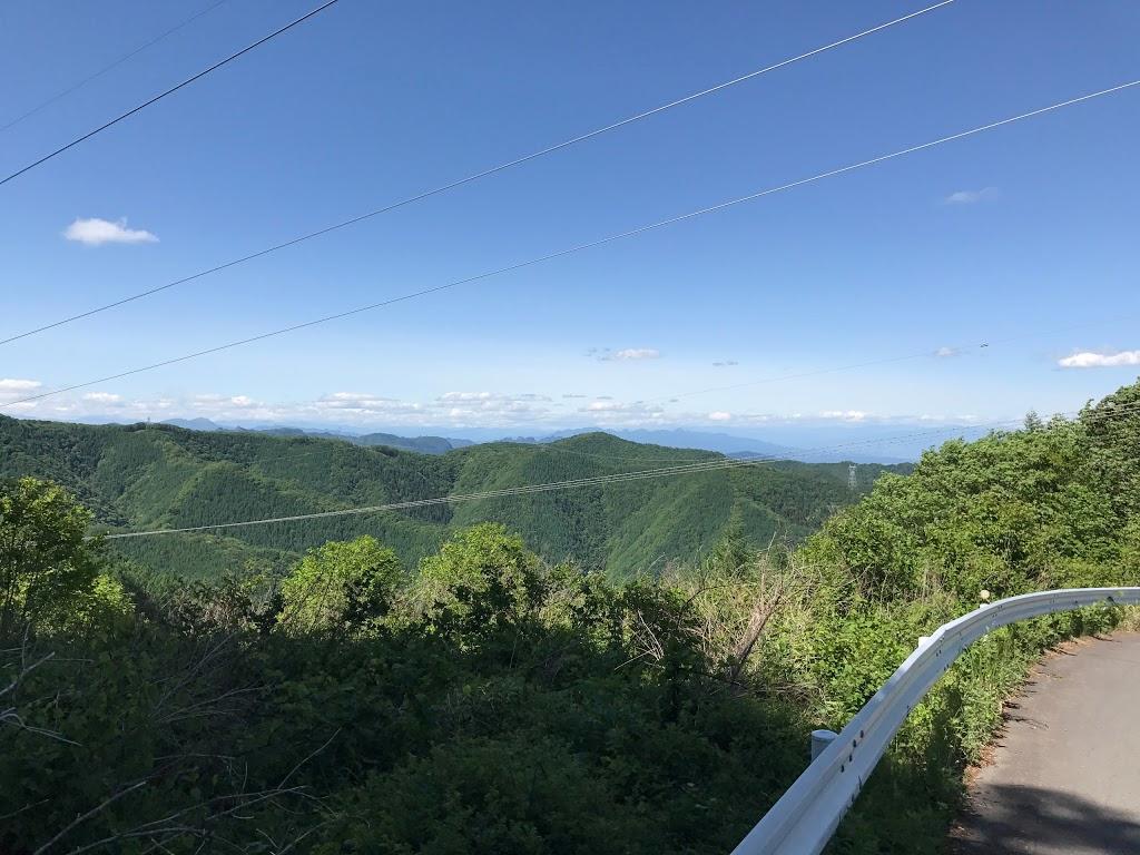 十石峠に到着。標高 1351m。