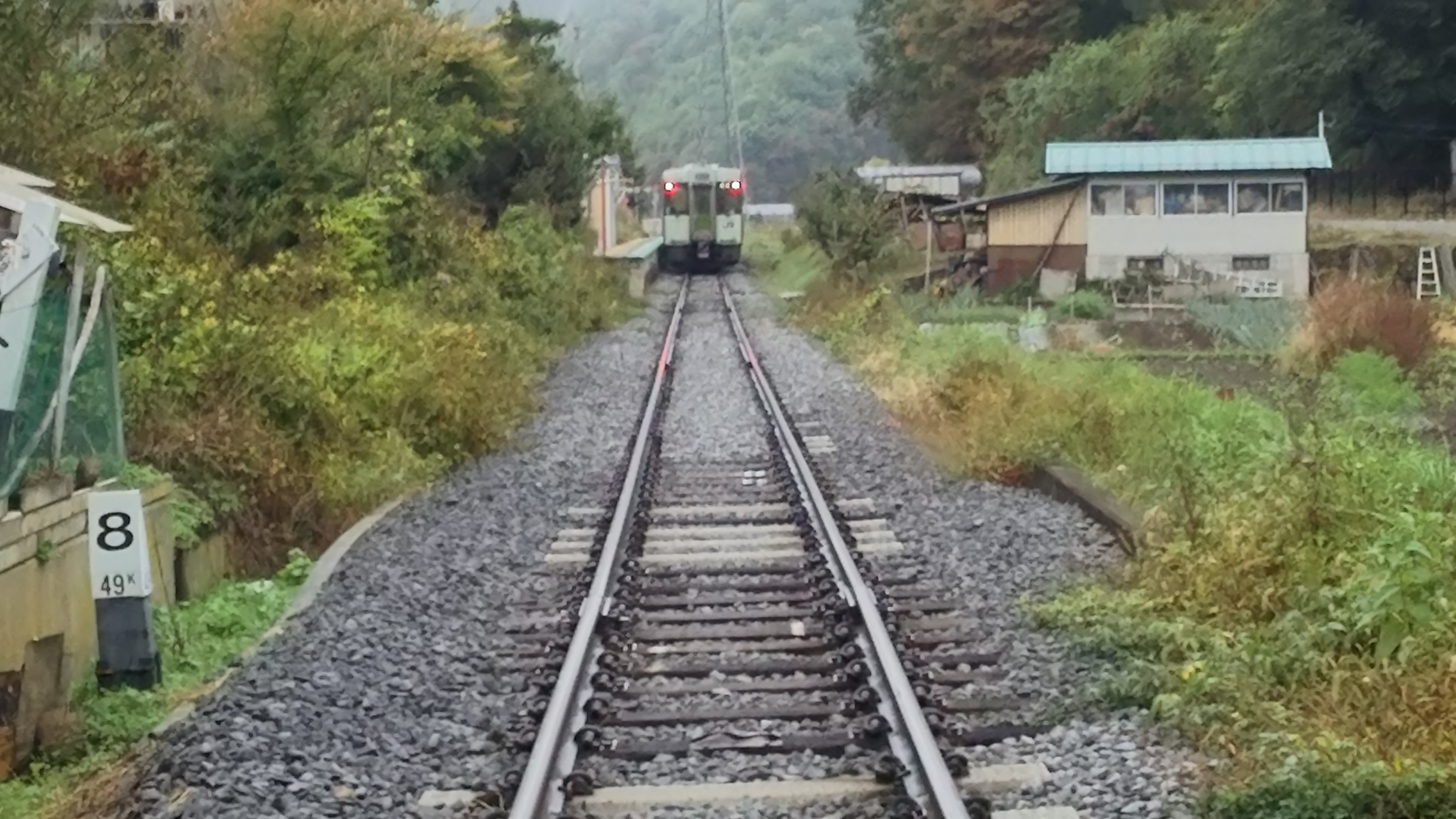 JR小海線・馬流駅 2017年10月15日撮影