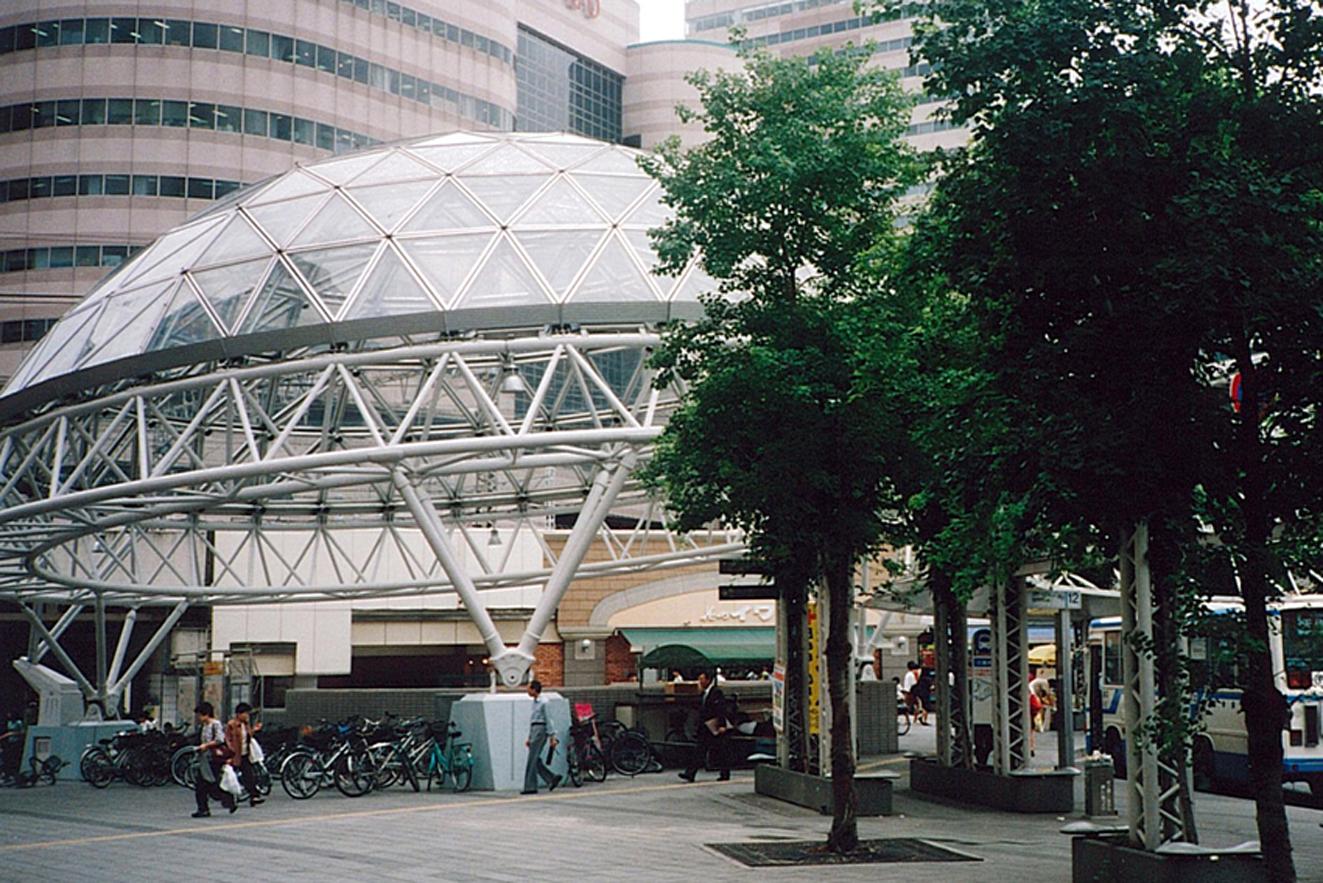 千葉駅東口駅前広場