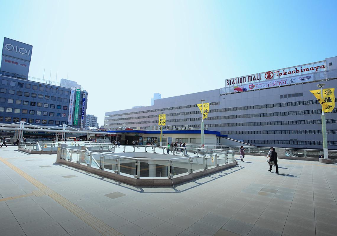 柏駅東口のペデストリアンデッキ