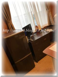 入院中☆部屋 冷蔵庫&テレビ&食事テーブル