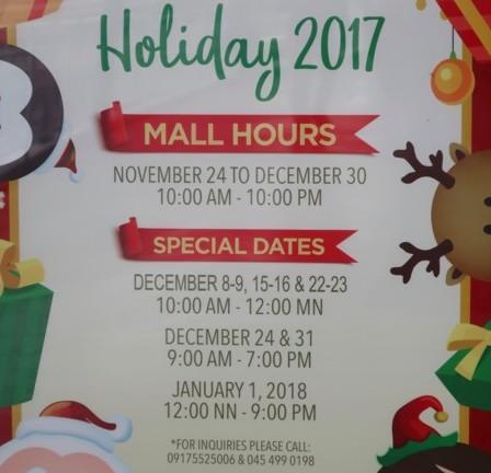 xmas mall hour
