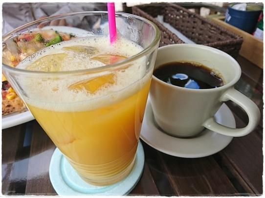 cafe10_2017120218290433d.jpg