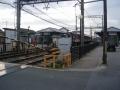 181215尼ヶ辻駅前を抜けて行く