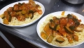 181118夕食に鶏肉のトマト煮をパスタに合わせる