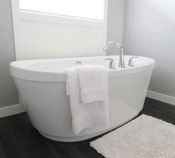 bathtub-2485957_960_720.jpg