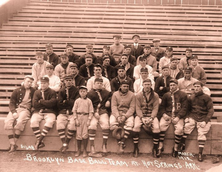 Vintage-Brooklyn-Baseball_201710281446313c2.jpg