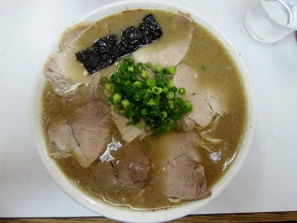 唐津方面ヌーブラ(1)、名店の味のワイルド版!、唐津市菜畑の「竜里」で、ラーメン!!