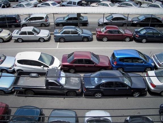 08.6.7モチット駐車場