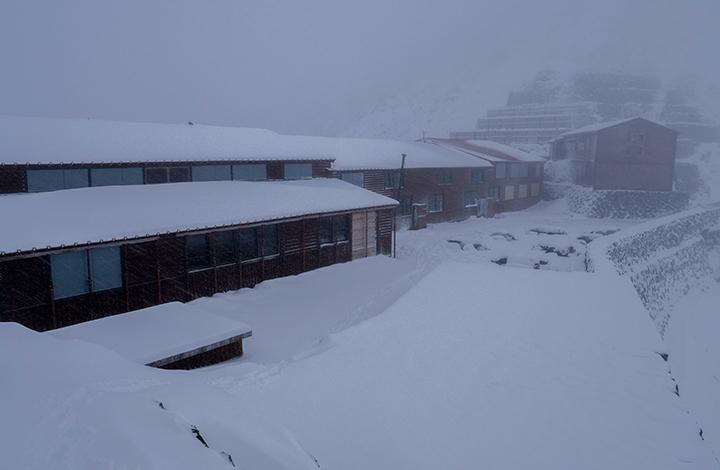171025 山荘雪降り
