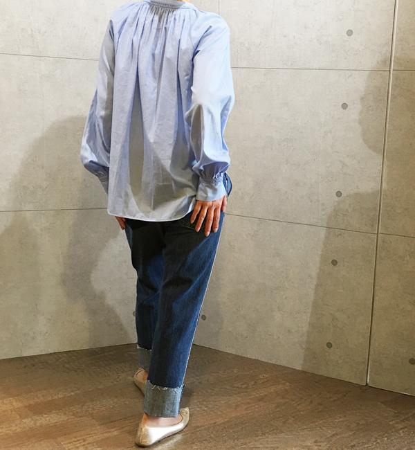 ヴィンスのライトブルーのシャツブラウス
