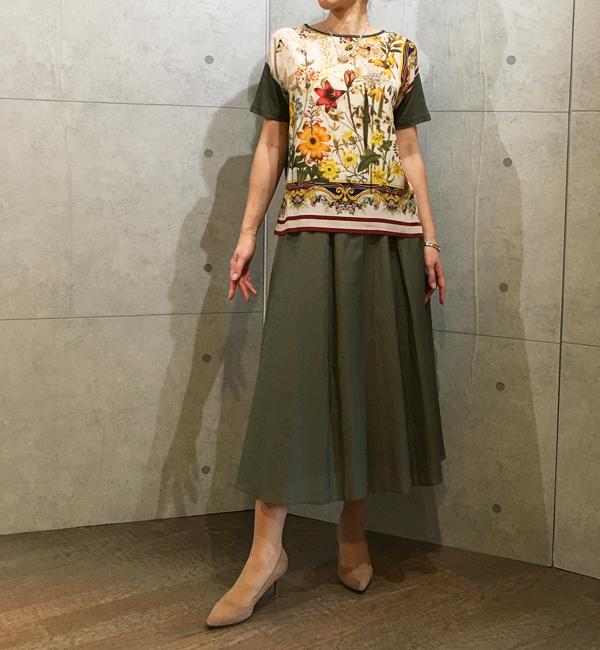 パシオーネのミモレ丈スカート