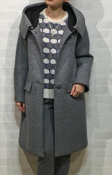 ココミュールのツバ付きフーディッドの可愛いコート