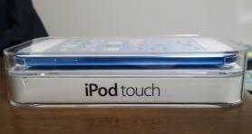 ipod touch ブルー 横から
