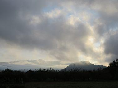 IMG_4076雲の奥青空