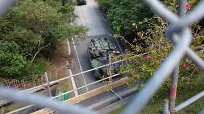 DM6qW5VV4AA5ta610月24日、辺野古のシュワブ基地と演習場を結ぶ戦車道の調査中に