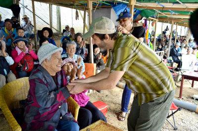 DP3JbxyVAAEZeirさらに米生物多様性センター創設者の