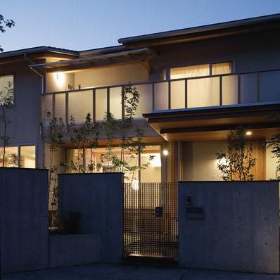 津島の家 夕景