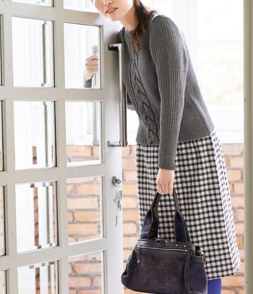 1872ピエロ手織りウールクルーネックセーター