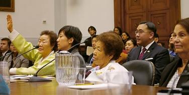 李容洙(イ・ヨンス)は、2007年米下院公聴会