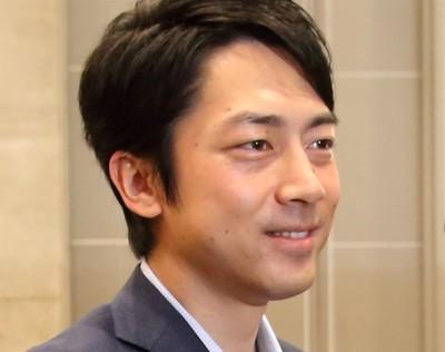 小泉進次郎「新聞に軽減税率はおかしい」 生中継で発言、ネット「よく言った」