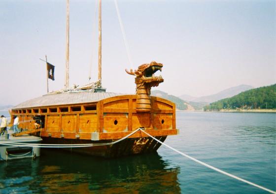 架空の亀甲船